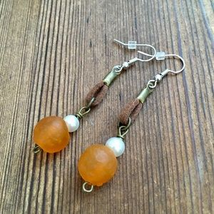 ❤️5 For $25 Orange Recycled Glass Dangle Earrings